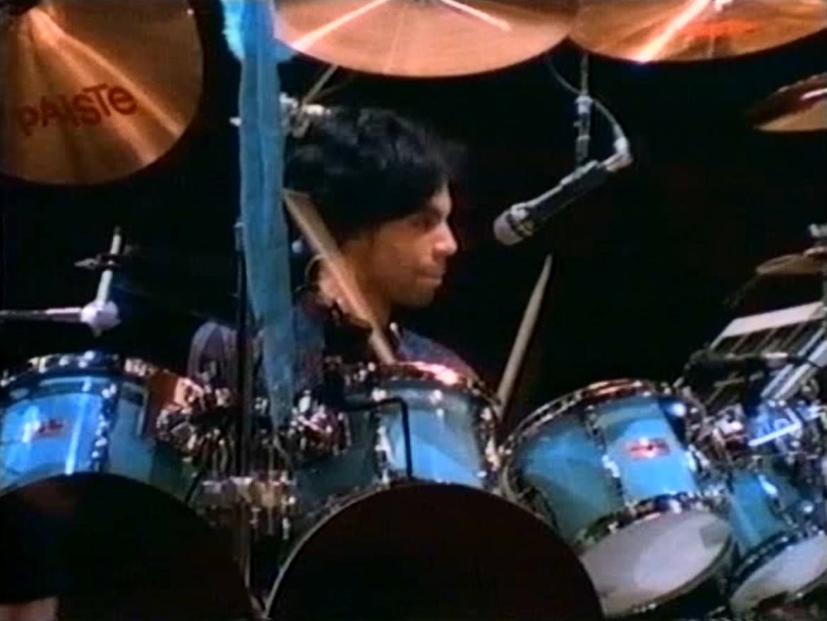 Prince playing drums 1988