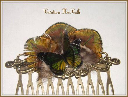 Peigne à cheveux plumes de paon naturelles et papillon vert
