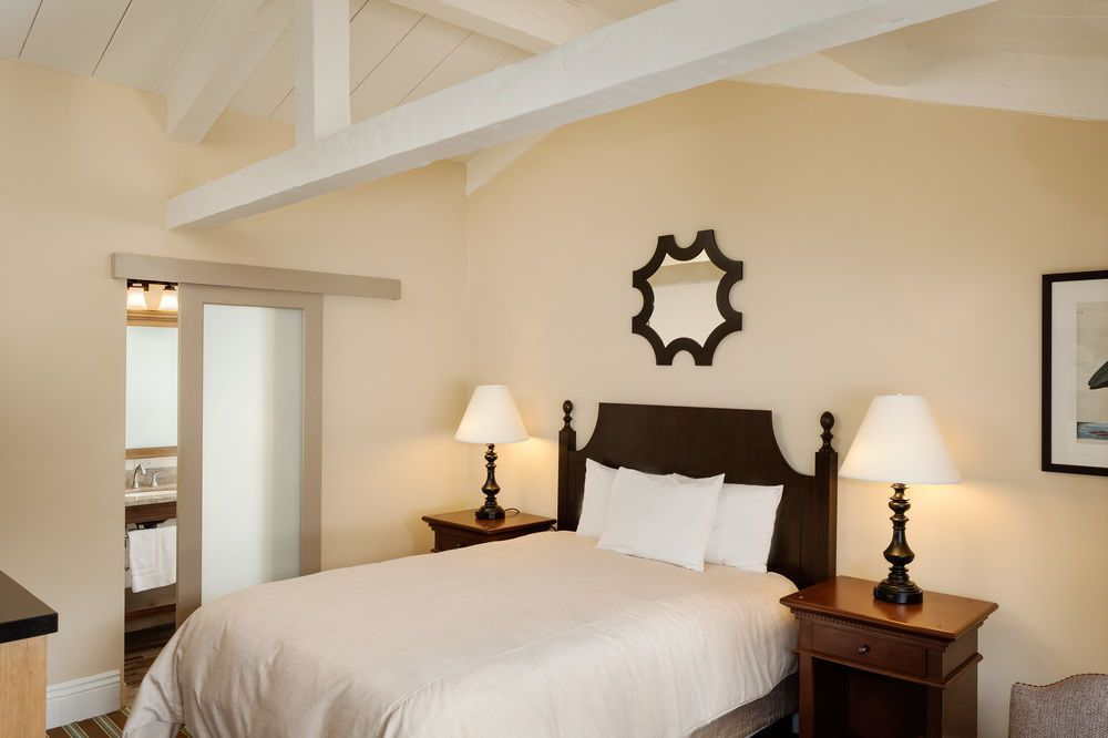 Lighthouse Lodge And Cottages.  Property Location  This hotel is close to Monterey Bay Aquarium and Fisherman's Wharf. When you stay at Lighthouse Lodge And...