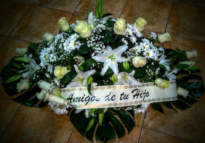 Pin By La Tienda De Las Flores On Coronas De Flores Para