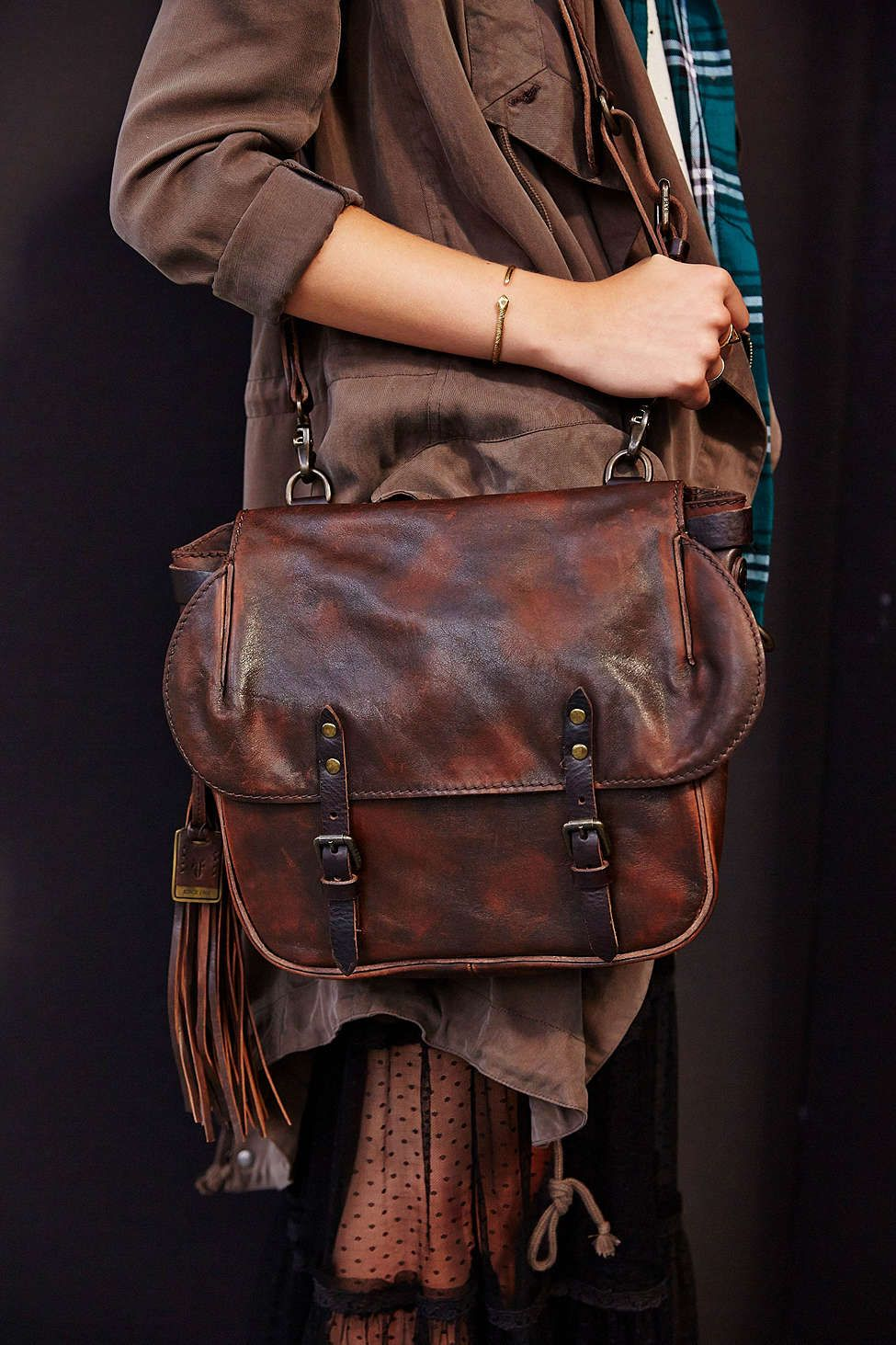 Frye Veronica Leather Messenger Bag - Urban Outfitters