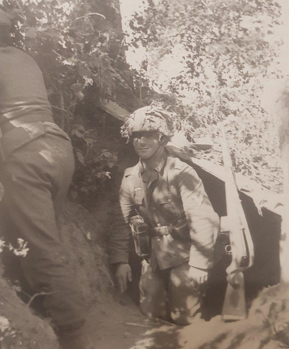 Pz Aufkl Abt 2 In Normandy 1944 Caumont 2 Pz Div Pk Arthur Grimm Guerre Mondiale Guerre Seconde Guerre Mondiale