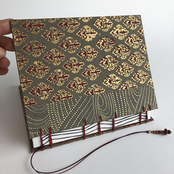 Outer Paper Is A Lovely Gray, Burgundy And Gold Screen