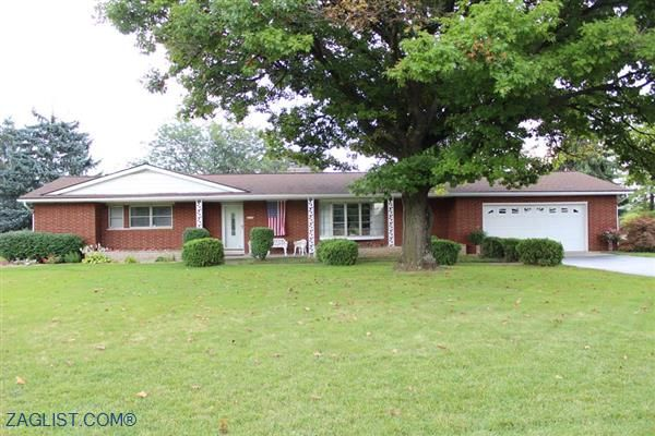House For Sale In 5474 Hoover Rd Grove City Oh 43123 Real Estate Listings Real Estate Apartments For Rent