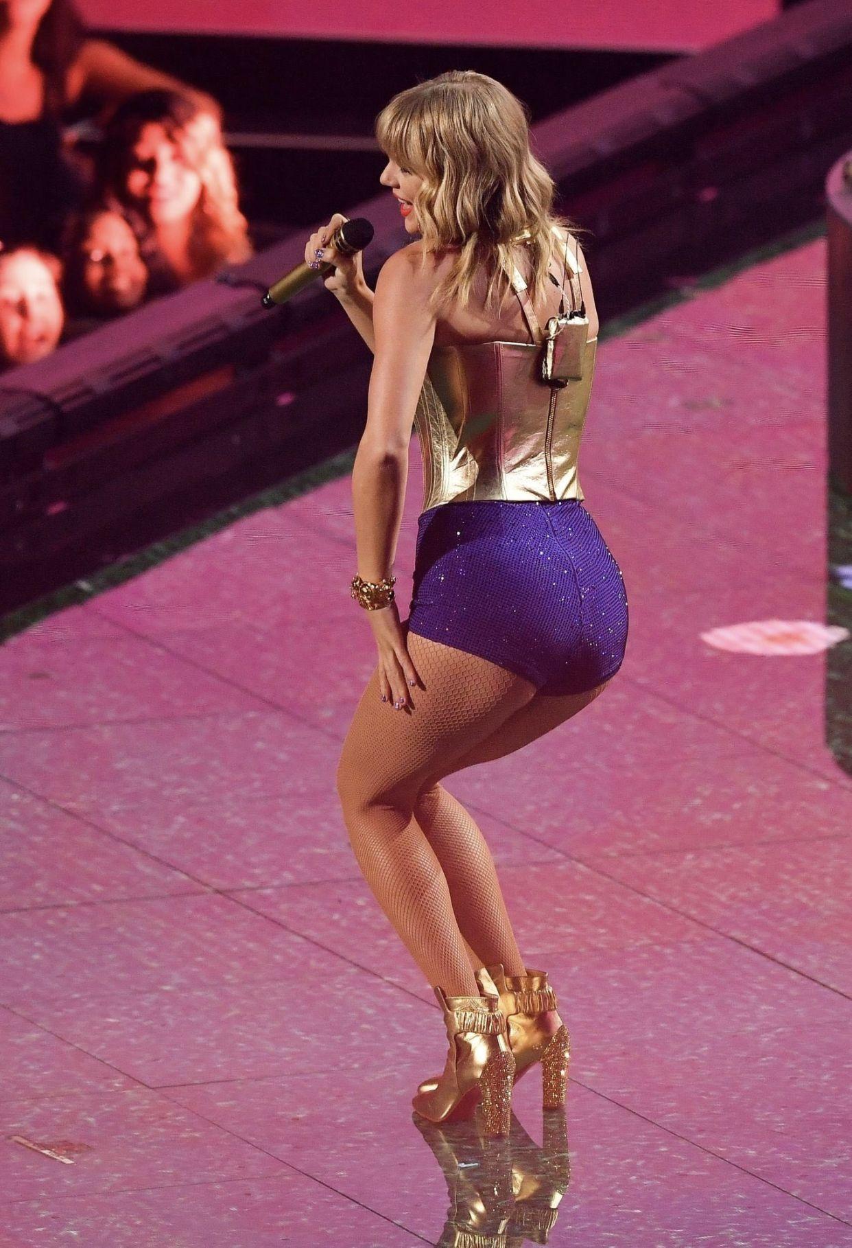 Taylor Big Ass