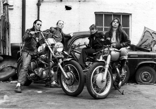 Mujeres miembros de los Angeles del Infierno en 1973.