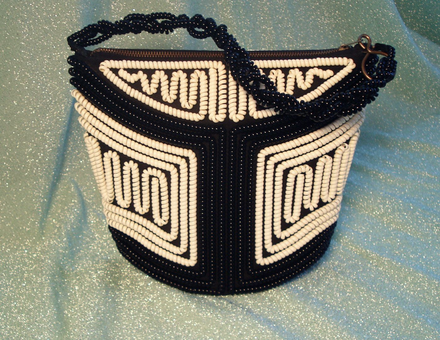 40s/50's Telephone Cord Purse...You can do this!