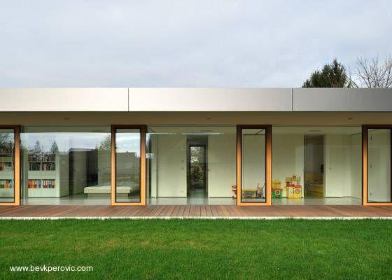 Fachadas de casas modernas de un piso buscar con google for Galerias casas minimalistas