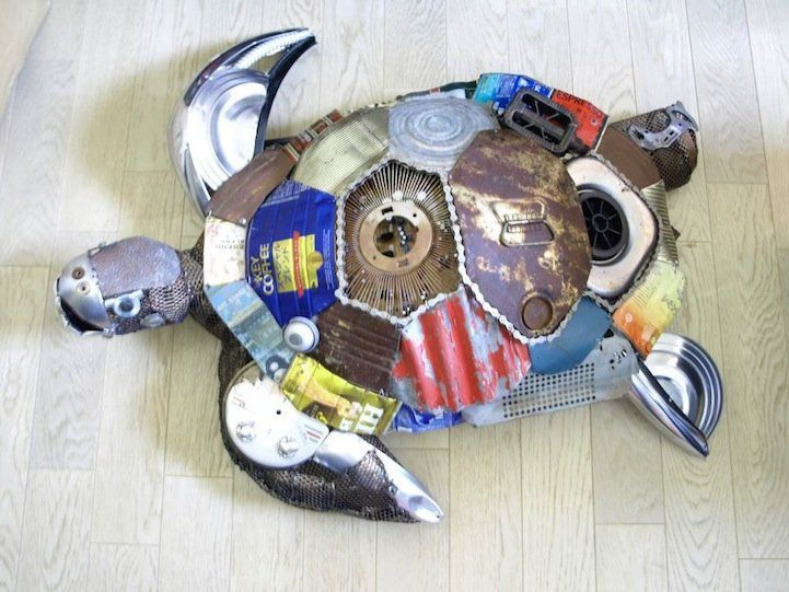 Extremely imaginative animal sculptures made from recycled for Cool recycled stuff