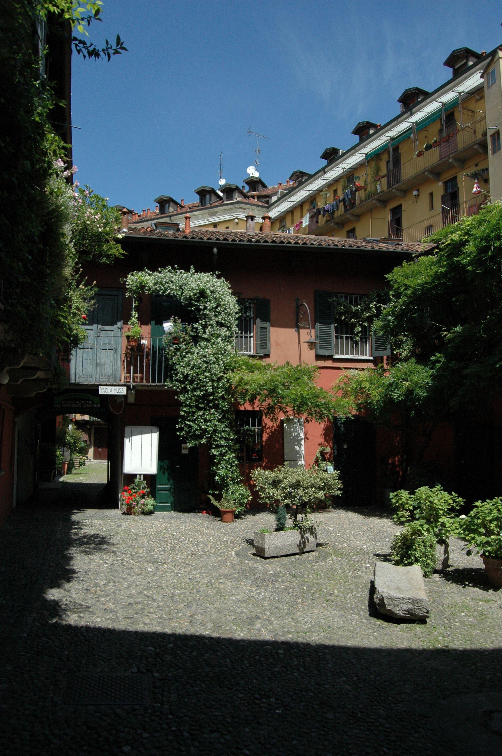 Milano, un cortile vicino al Naviglio Grande