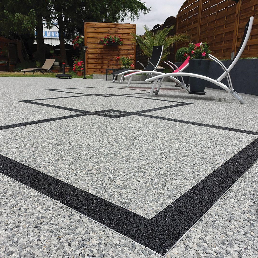 terrasse en moquette de pierre marbreline gris et motif. Black Bedroom Furniture Sets. Home Design Ideas