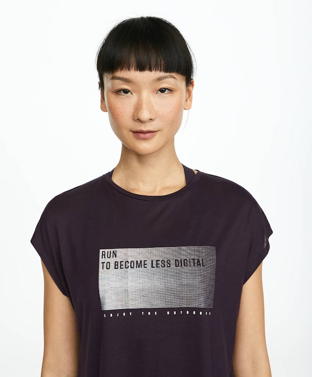 Camiseta morada TENCEL™ mensaje iridiscente in 2020 | Mens tops, T ...