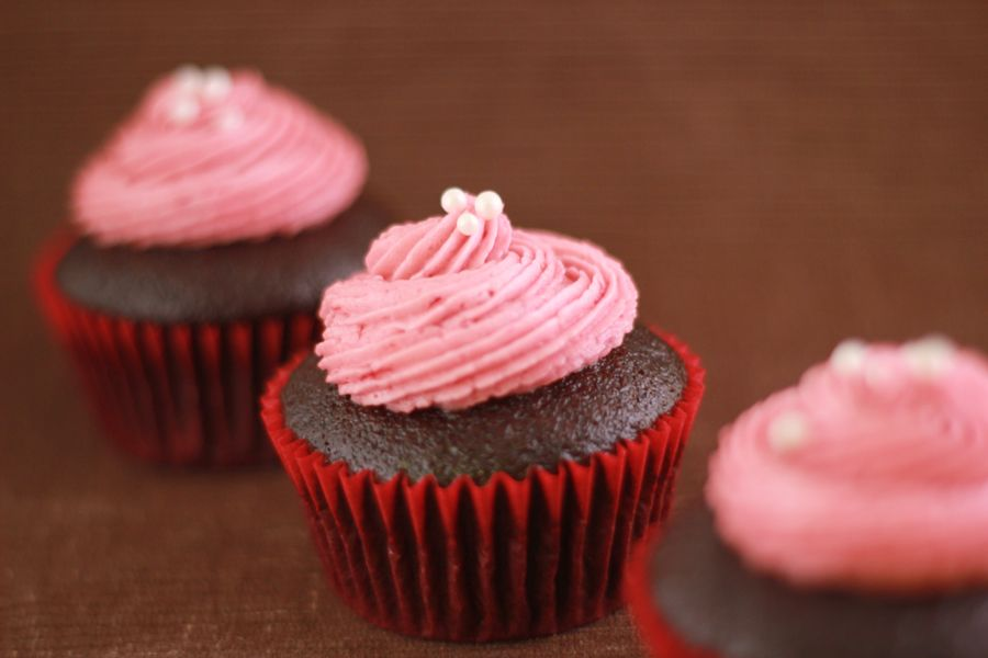 Kathleen's Confections: Raspberry Buttercream