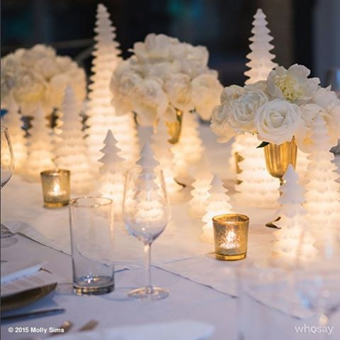 I'm dreaming of a white Christmas ... table. Thanks @mollybsims - gorgeous!!