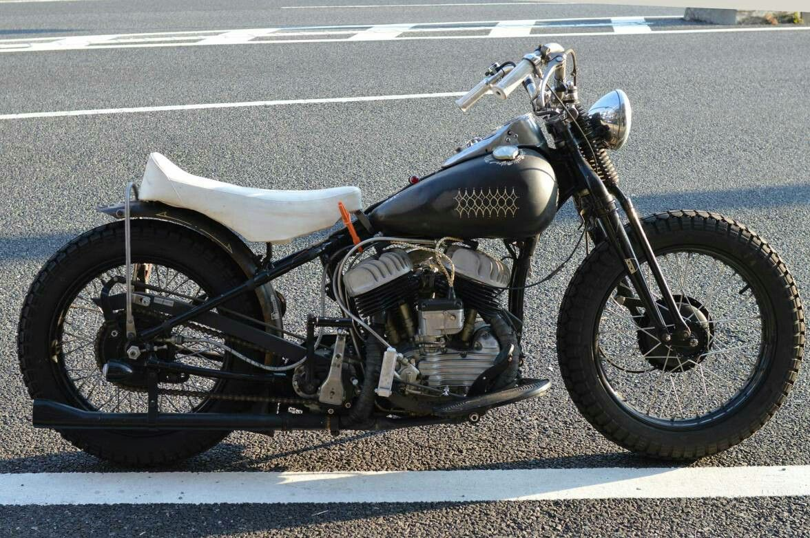 Custom Harley Davidson Wl 750 By Buddy Custom Cycles Various One Off Parts British Style Bench Seat Japan Custom Cycles Custom Harleys Cycle