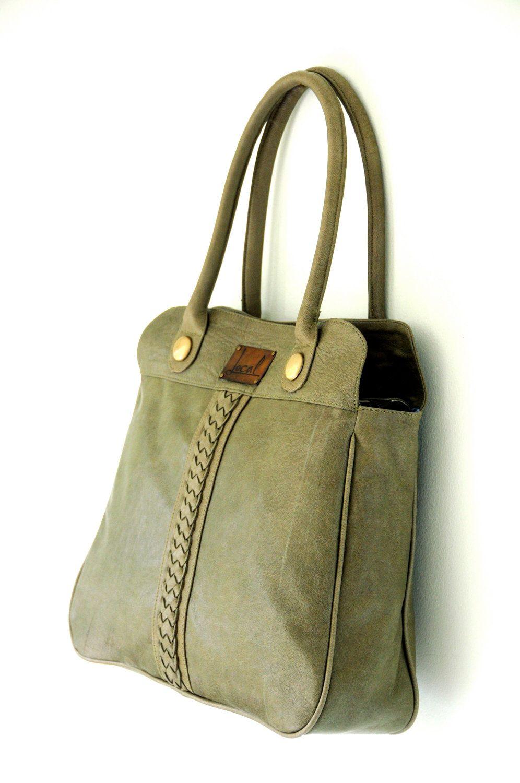 9c44a62e8a FREEDOM. Green leather handbag / shoulder bag. Plaited detail ...