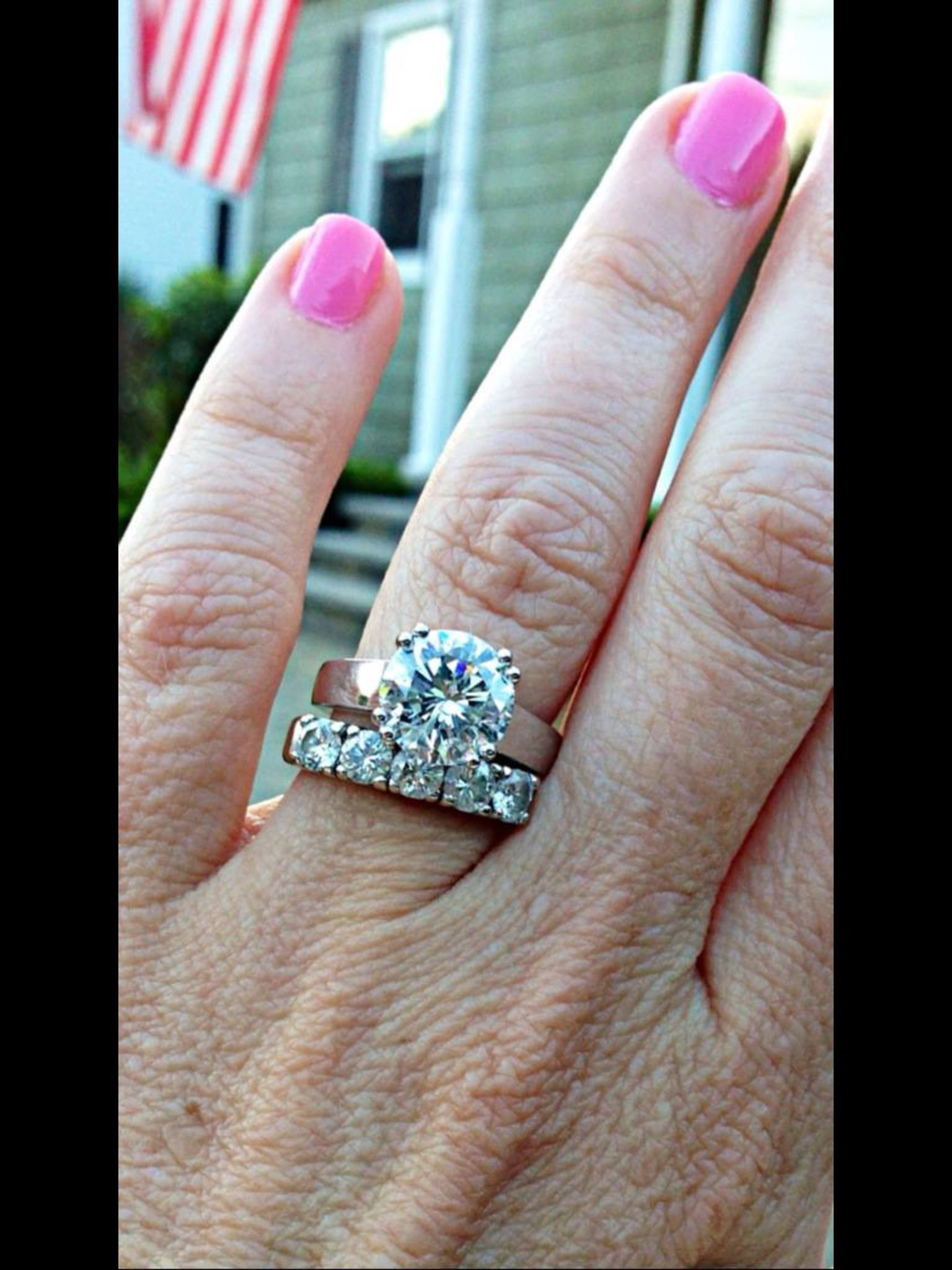 Brilliant Round Solitaire Engagement Ring With 5 Stone Diamond Wedding Band
