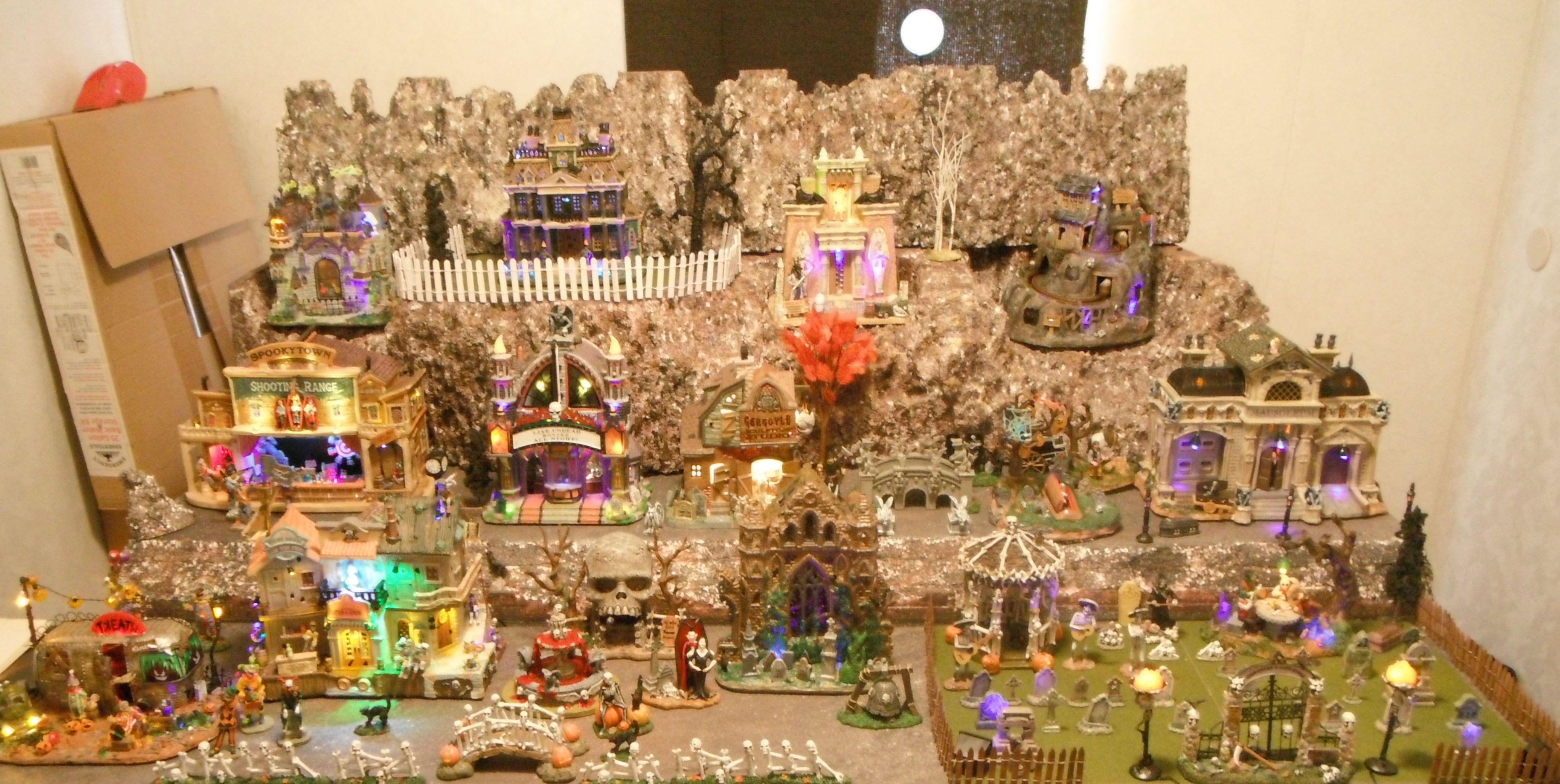 Spooky Town Display Halloween Village Ideas Pinterest
