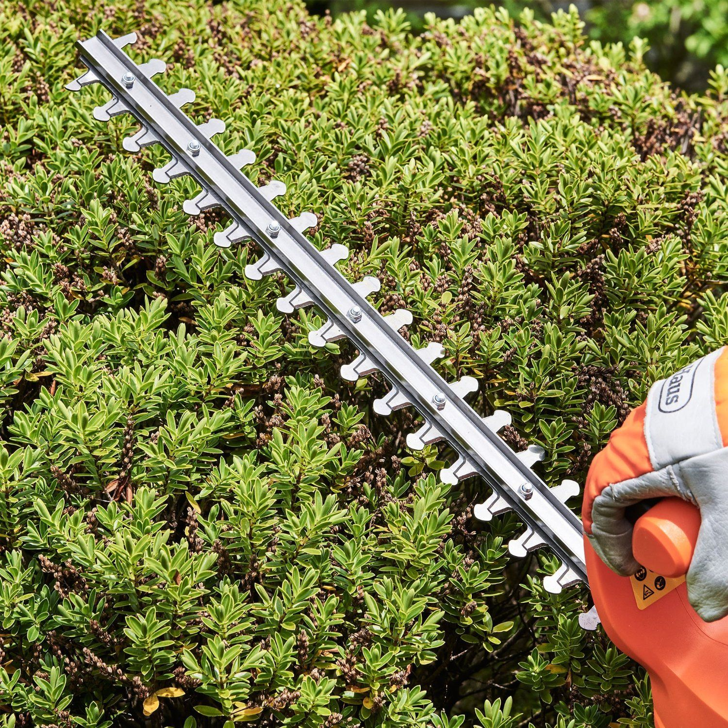 VonHaus 500W Electric Hedge Trimmer/ Cutter with 45cm (17