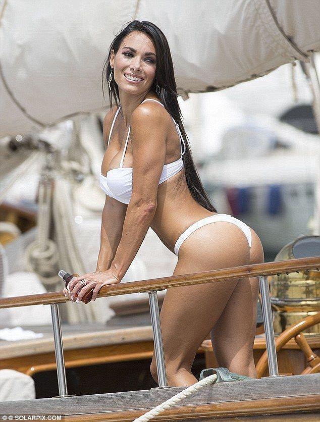 Danni bikini body