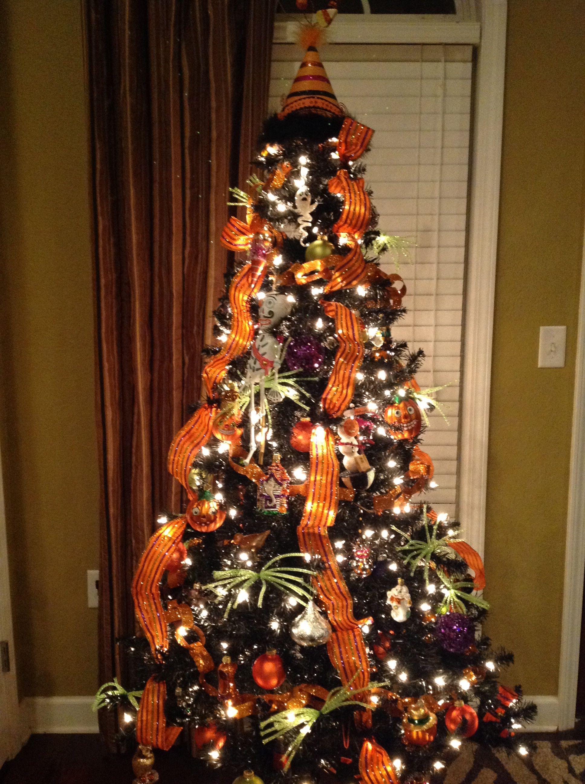 Halloween tree Nightmare before christmas decorations