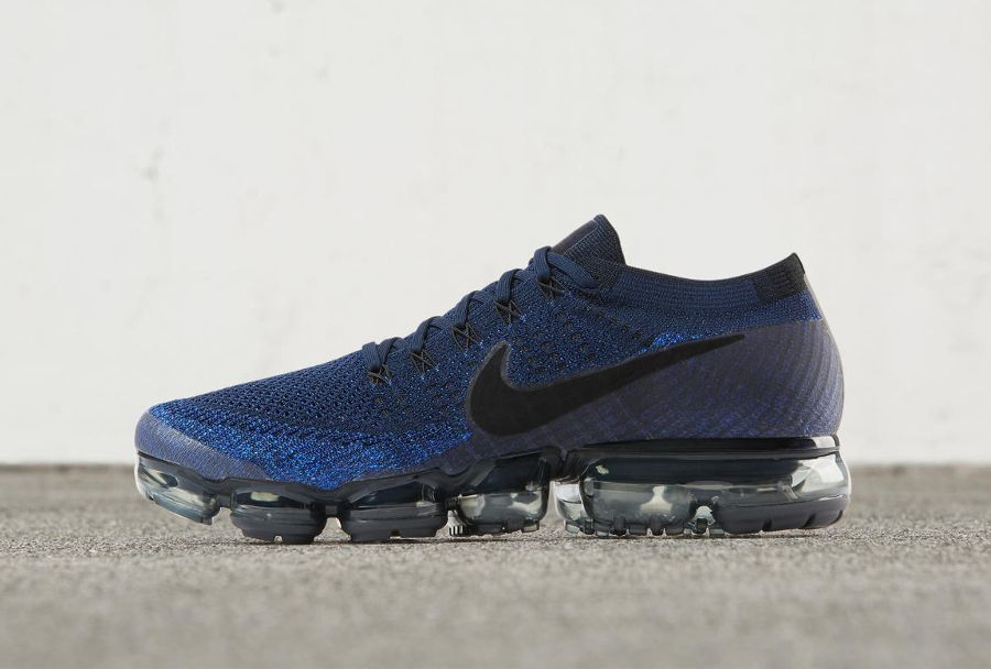cheaper e6a9e 7acc1 Chaussure Nike Air Vapormax Flyknit Dark Blue Day to Night (2)