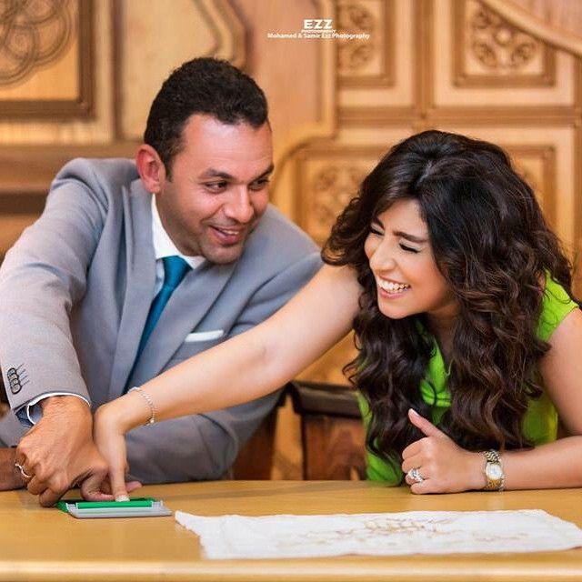 ايتن عامر وزوجها اثناء عقد القران Cool Pictures Talk Show Pictures