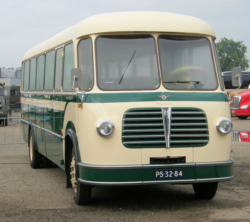 daf bb bova bus tijdens het daf museum weekend busses bus coach  vehicle