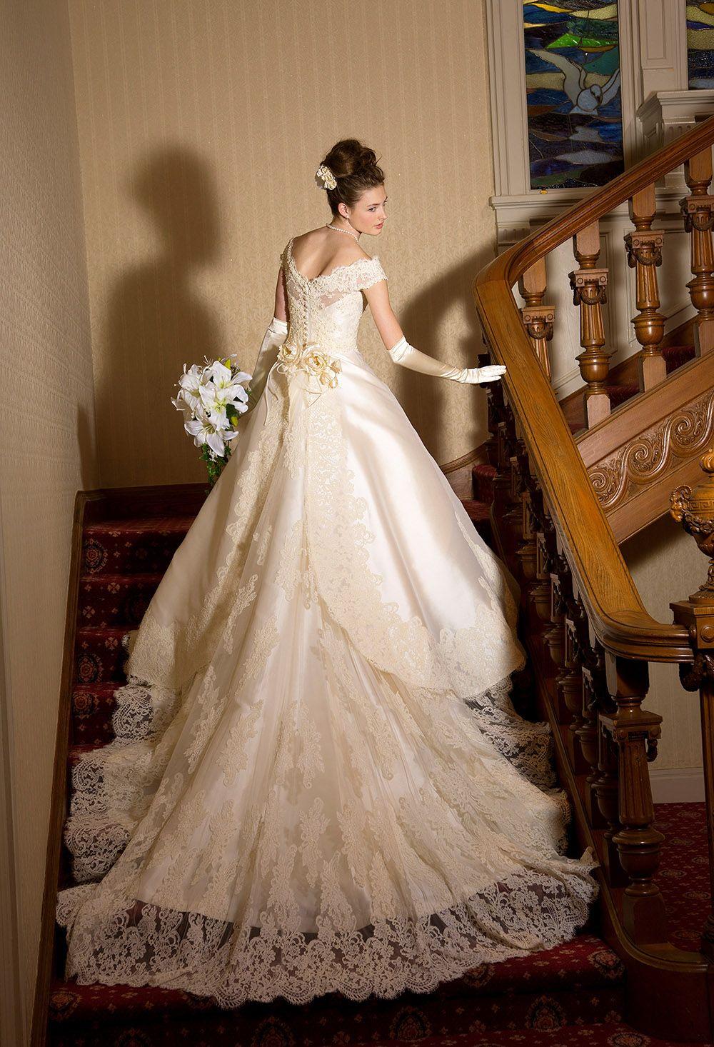 6fa1d6f3cd930 ミカドシルクのクラシカルウェディングドレス