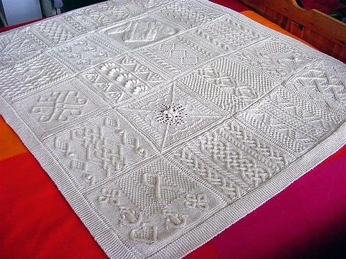 Irina: Aran knitting. Great Blanket Ideas. PATTERNS.   Knit squares ...