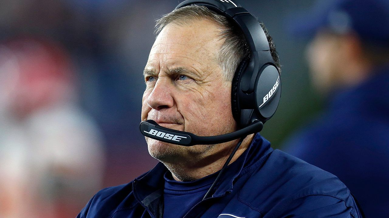 New England Patriots Head Coach Bill Belichick And Minnesota Vikings Wide Receiver Adam Thielen Were Caught Yelling At E Bill Belichick Patriots Bills Patriots