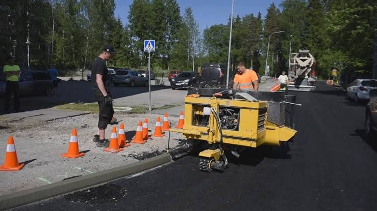 We Need Suitable Machine Include Curb And Gutter To Work In Congested Areas Like Tight Radii And Sidewalk Here Curb Fox In 2020 Professional Engineer Gutter Curbing