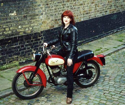 porn-redhead-biker-chickstures