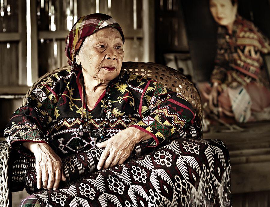 T'nalak's National Artist by Don Pagunsan People