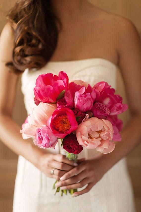 Peônias em vários tons de rosa