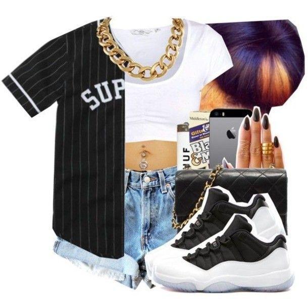 Air Jordans 11 En Noir Et Blanc Avec Une Chemise En Noir Et Blanc Avec Un Short