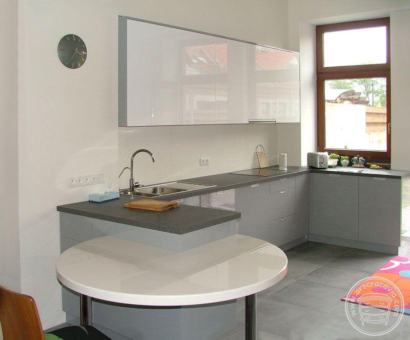Kuchnia W Szarosci Laminaty Hpl I Bieli Mdf Lakierowany Dostawka Bialy Corian Furniture Home Decor Kitchen