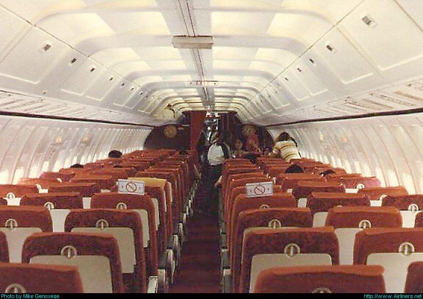Delta Air Lines Boeing 727-295 interior, 1976. | Airplane ...
