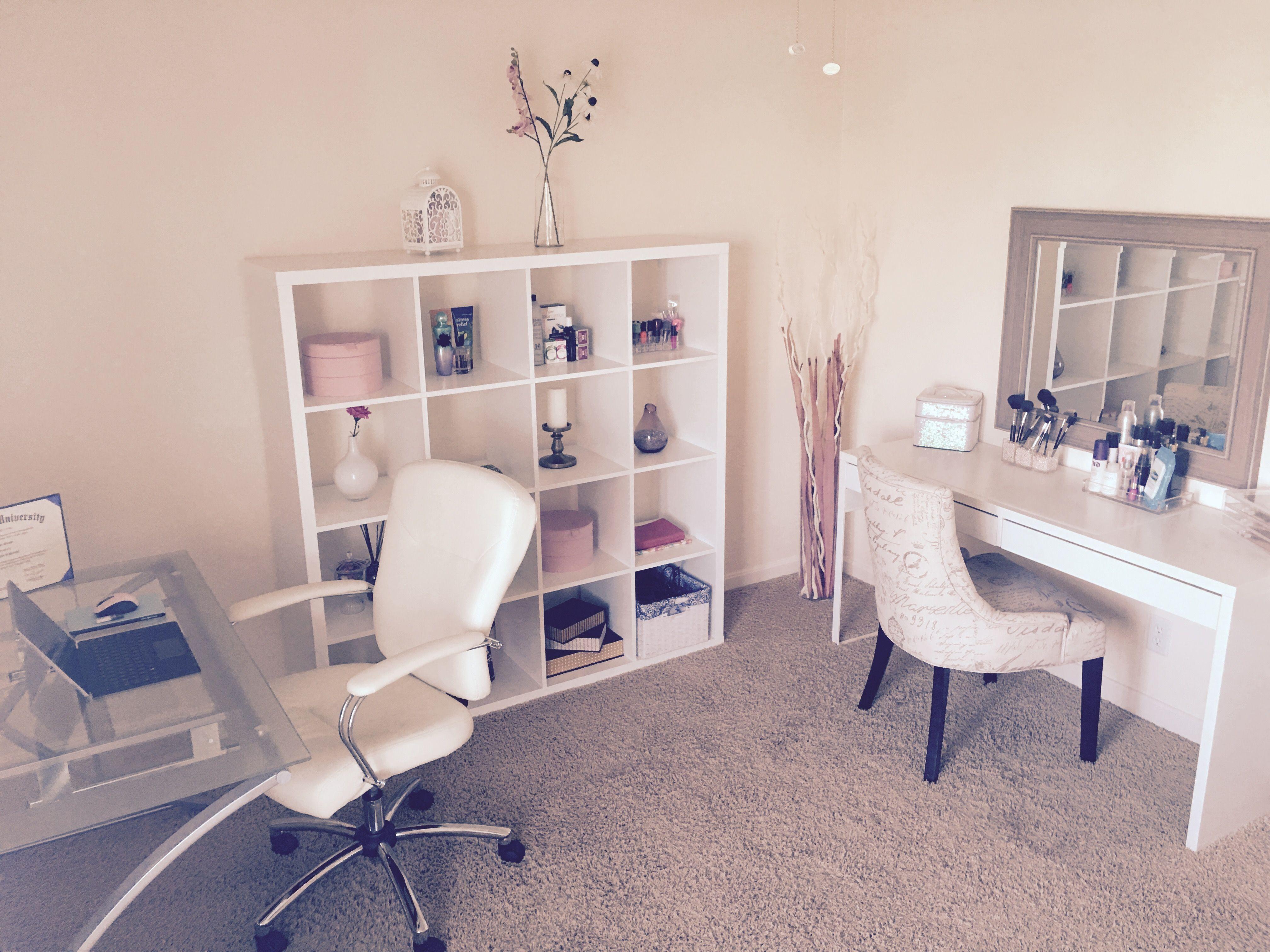 Pin de Laila Kahiel em Beauty & Office/Craft Room Setup