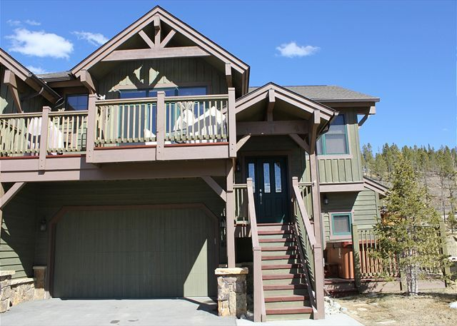 Highland Greens is a 4 br/4bth townhouse that sleeps 8. Amenities include a gas fireplace, 2 car garage, hot tub, balconies, and grills. This townhouse has amazing views of the mountains and is in a great location for a ski trip! http://www.breckenridgerentalplaces.com/vacation-rentals/3950/Highland-Greens-82-Linden-Lane-Breckenridge-Breckenridge-CO