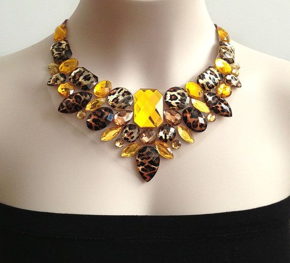 leopard bib necklace  leopard topaz and yellow color por BienBijou, $29.00