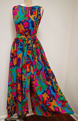dd42a489b1e3 1970 s Bold Hawaiian Print Palazzo Jumpsuit Wide Legs Scoop-Back Vintage  Pants