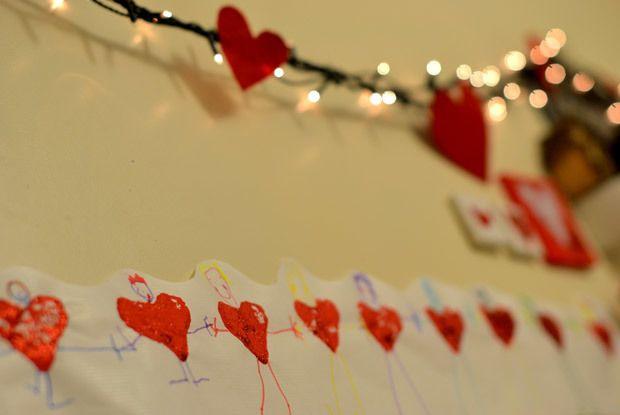 Saint Valentin l'amour au ventre: la guirlande de bonshommes
