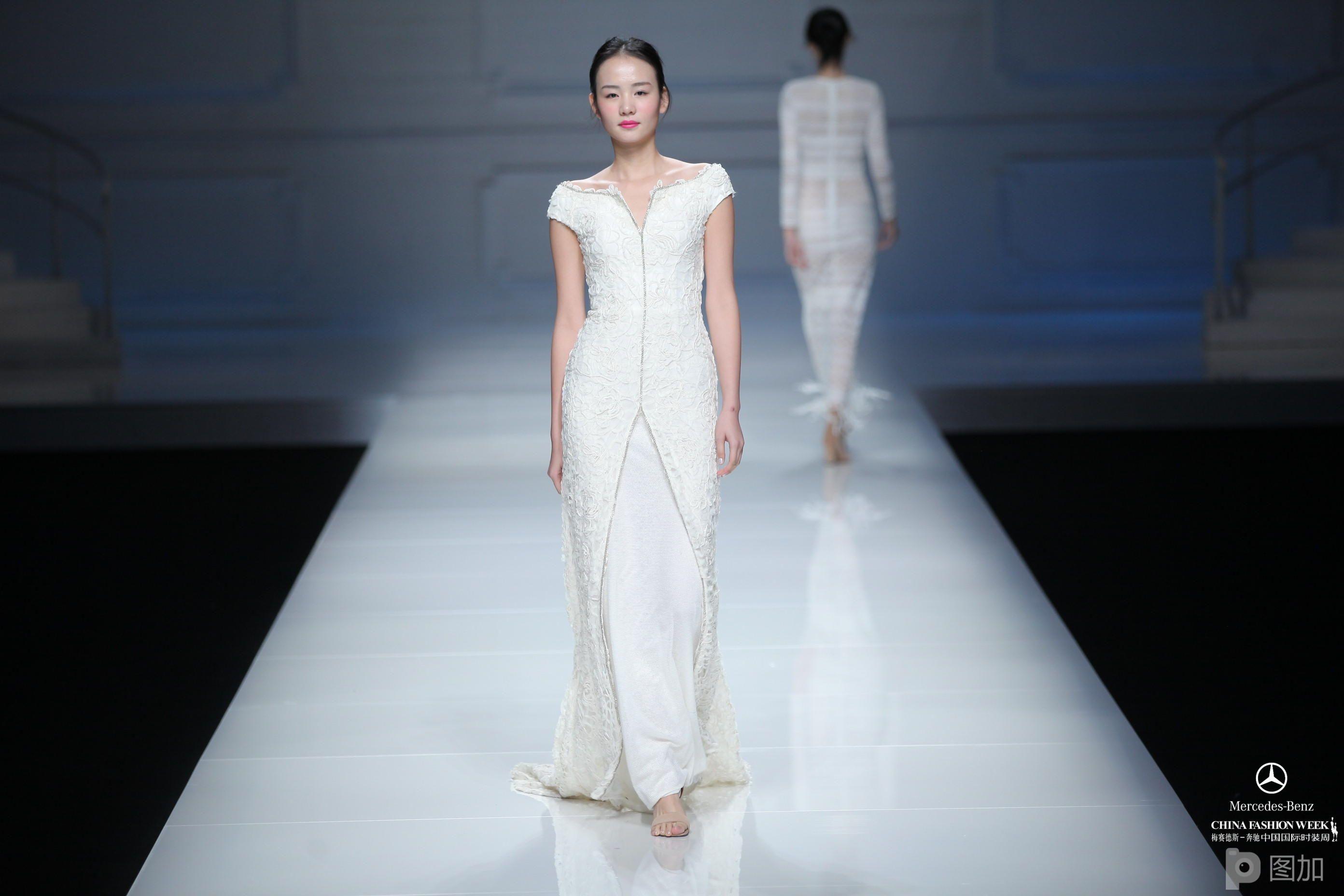 中国国际时装周-雪莲高级定制·王燕喃时装发布会