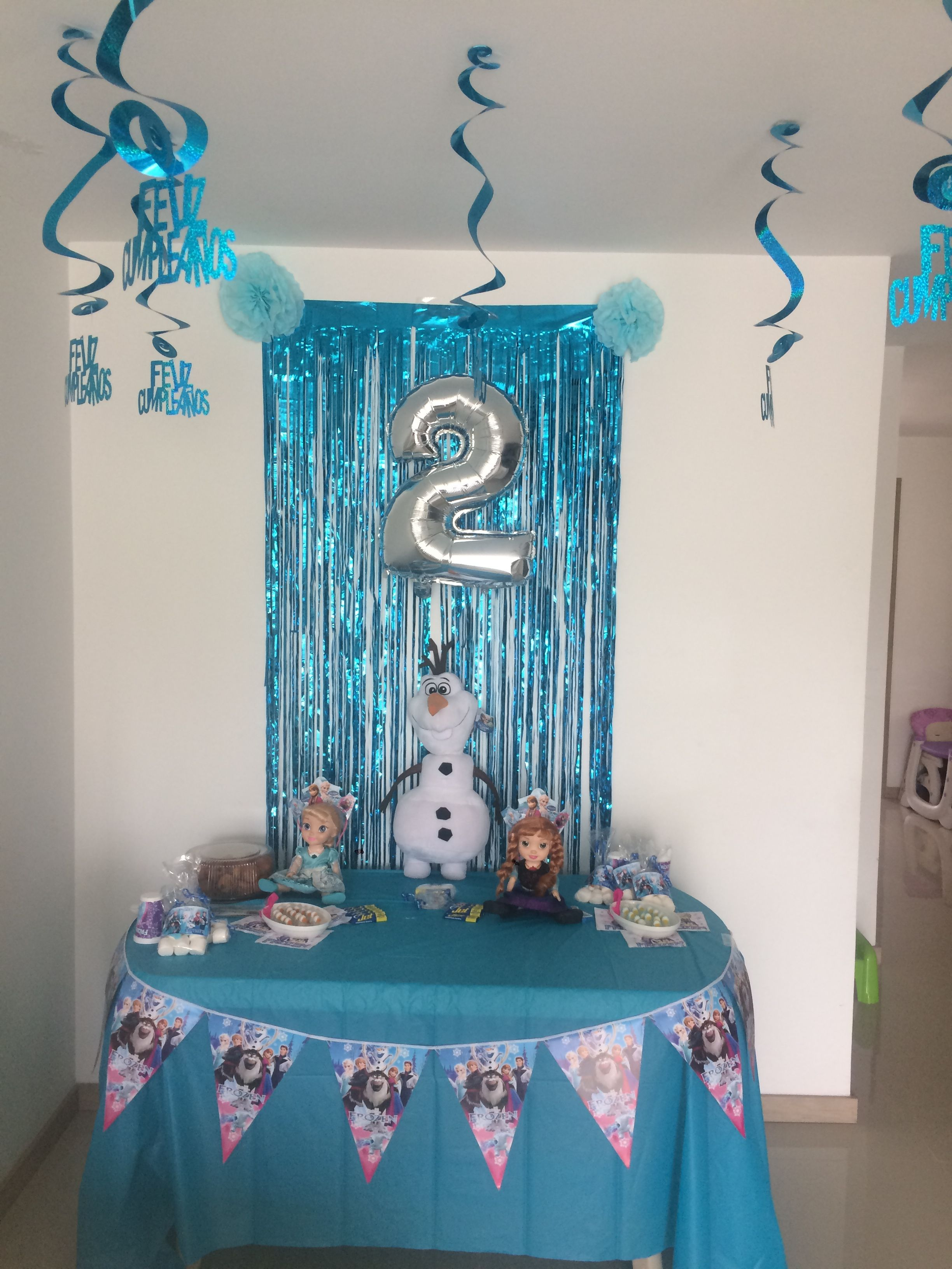 Decoraci n sencilla pero linda de frozer decoraci n fiesta pinterest frozen birthday - Ideas sencillas para decorar ...