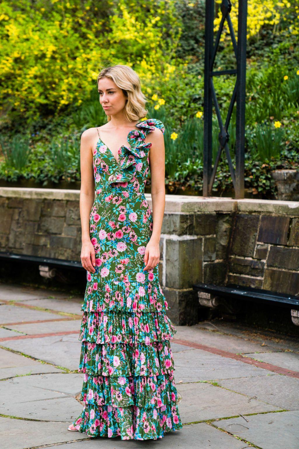 14 Most Classy Wedding Guest Dresses Ever Vera Casagrande Classy Wedding Guest Dresses Dresses To Wear To A Wedding Summer Formal Dresses [ 1536 x 1025 Pixel ]