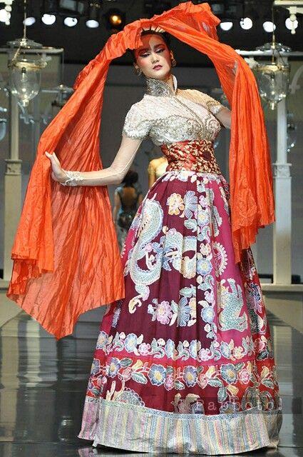 Indonesia Batik Gown So Beautiful Colourful Of Indonesia