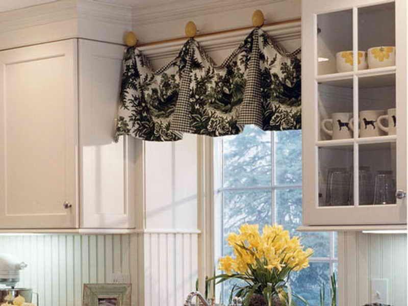 Modern Kitchen Valance In Two Fabrics Kitchen Sink Window