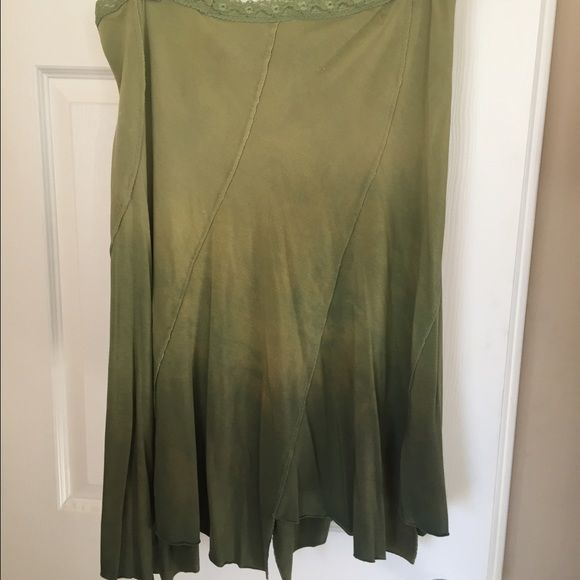 Free People ombré skirt Fun, Boho skirt, elastic waist and flowy at bottom. Ombré/Tie dye style in green.  Very comfy! Above knee length... Free People Skirts Midi