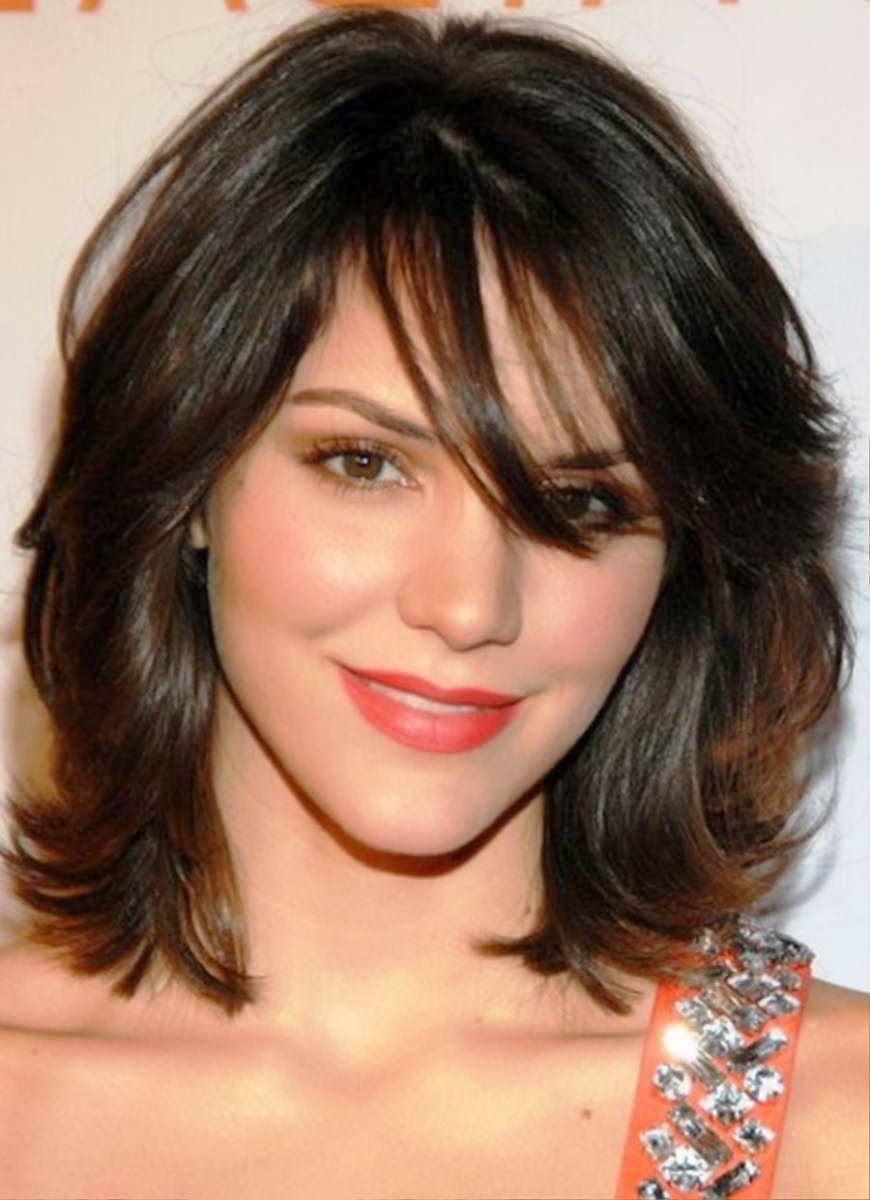Beautifull layered hairstyle with bangs the women have an interest